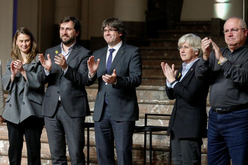 La justícia belga arxiva l'ordre de detenció contra el president i els consellers